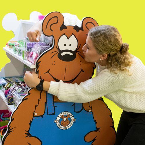 Ein Küsschen für Tom, unseren Trendhaus-Bären